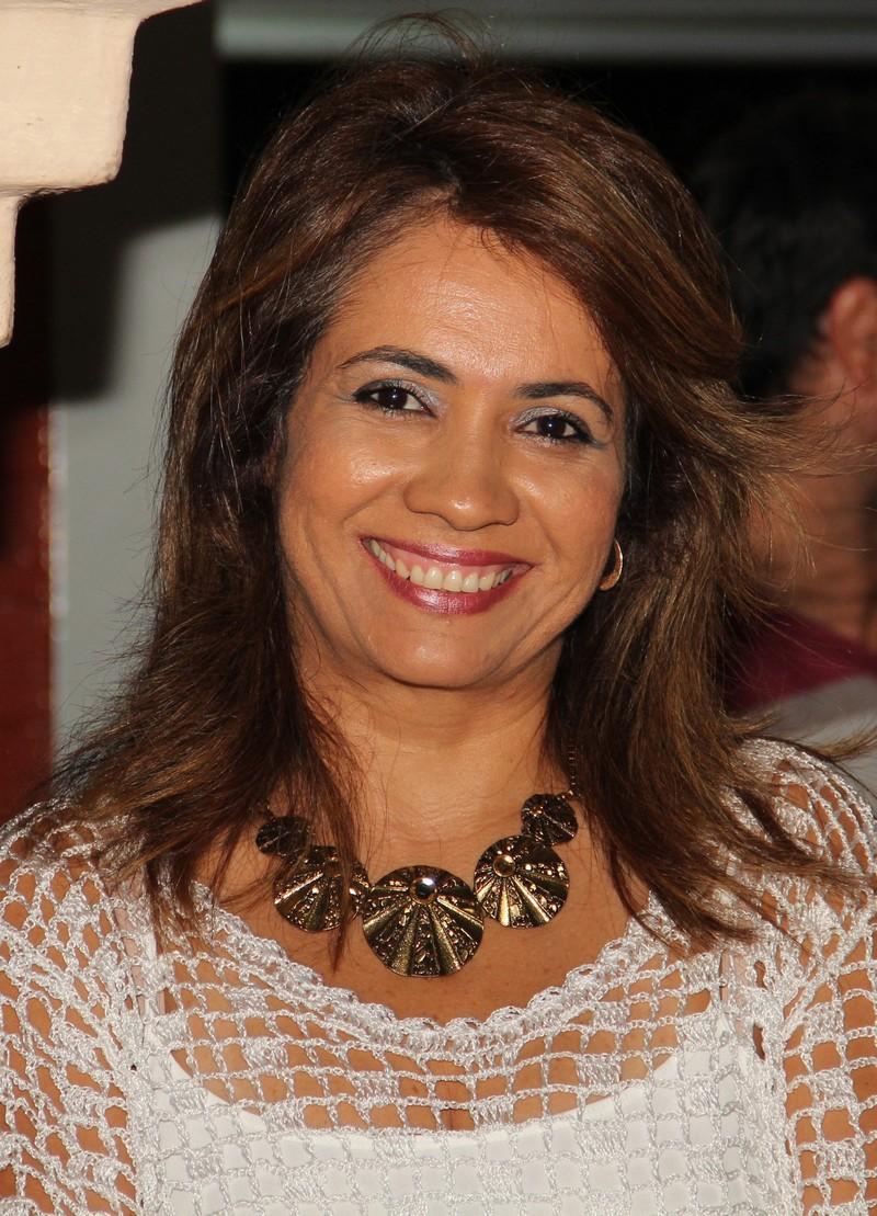 Aline Sandra